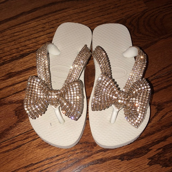 9499fb79033f Havaianas Other - Toddler girl havaiana flip flops gold diamond bow